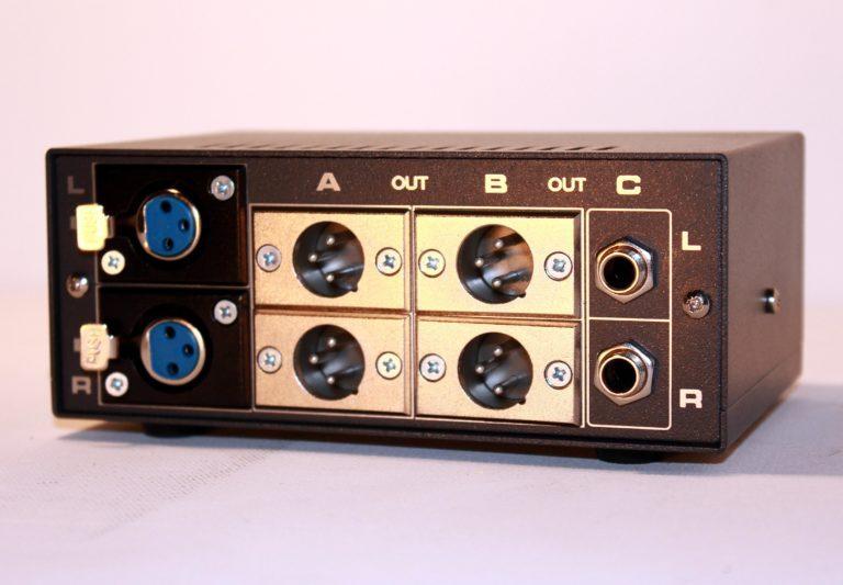 stereo balanced monitor controller