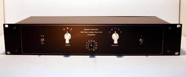 stereo balanced monitor controller