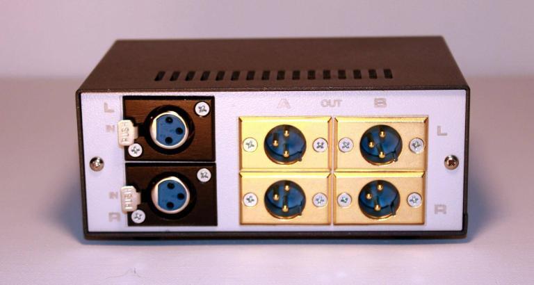 audio controller volume attenuator