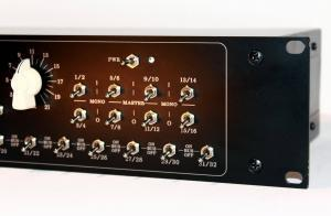2U 32 input studio summing mixer