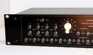 2U 32 input studio mixer
